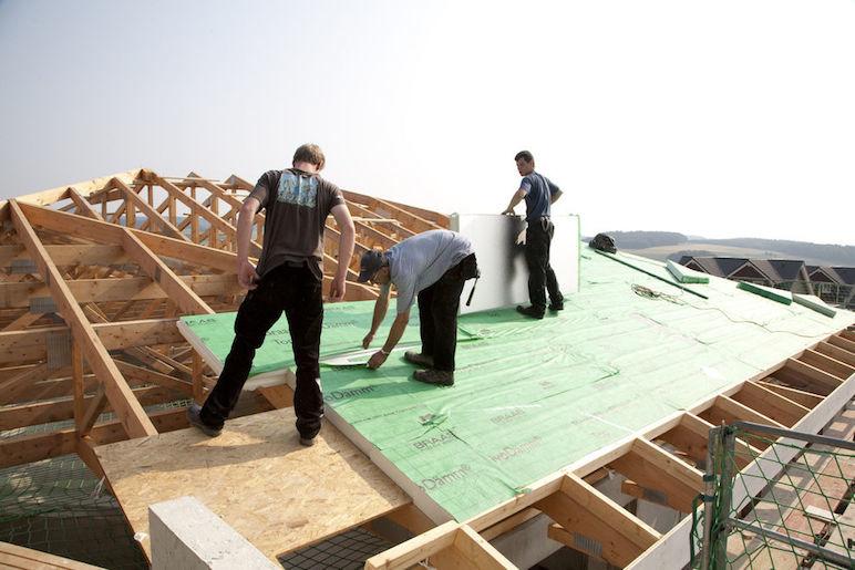 Die Dachdämmung: Dach mit hochwertigen Dämmstoffen renoviert