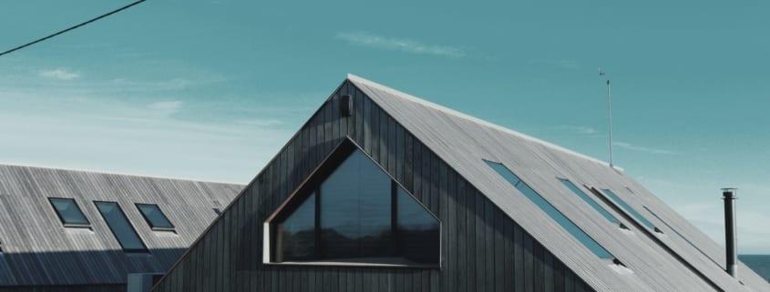 Dach mit dachfenster