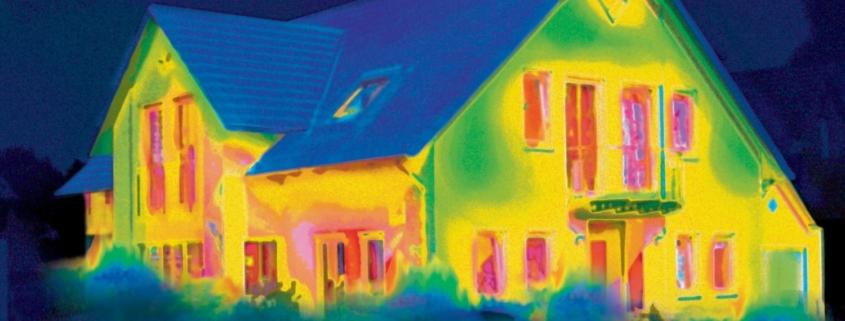 Ein Wärmebild eines energieeffizienten Daches