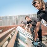MeinDach Partner Dachdecker installieren ein hochwertiges Dachsystem, Schrägdach