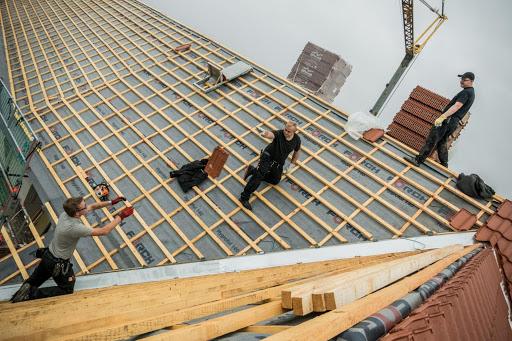 MeinDach professionelle Dachdecker installieren Premium-Dachfenster, Dachrenovierung, Deutschland
