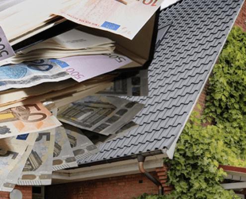 Renovierungskosten am Dach können Sie von der Steuer absetzen. Worauf Sie dabei achten müssen, erfahren Sie hier.
